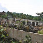 Puing-puing bangunan sisa terjangan 'wedus gembel'
