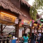 Deretan tenant kuliner khas Sulawesi