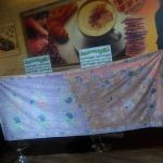 Mas Fakhrul Huda dari Pekalongan menunjukan batik tulis yang dibuat selama 2 tahun