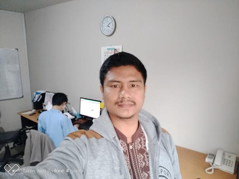 Dengan mode Selfie (Automatis)
